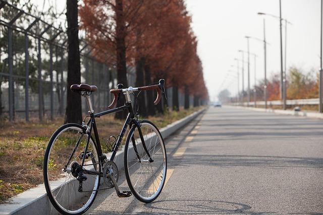 Czy kierowcy pamiętają o rowerzystach?